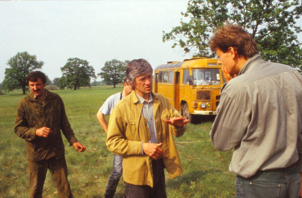 Планирование экспедиции (слева направо: Николай Курбацкий, Александр Козулин, Рудигер Мауэрсбергер), 1995 г.